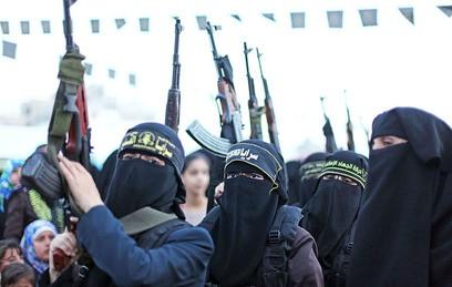 Психологи объяснили, как ИГИЛ вербует подростков