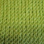 Резинка 1Х1 из скрещенных петель (уроки вязания спицами)