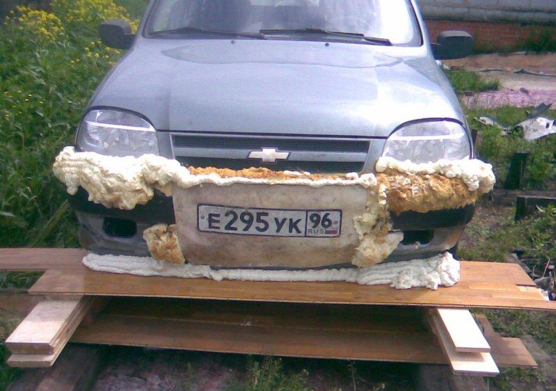 Безумный тюнинг Chevrolet Niva при помощи монтажной пены