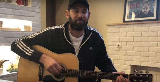 Стоит ли Слепакову извиняться за песню о сборной России и Кадырове?