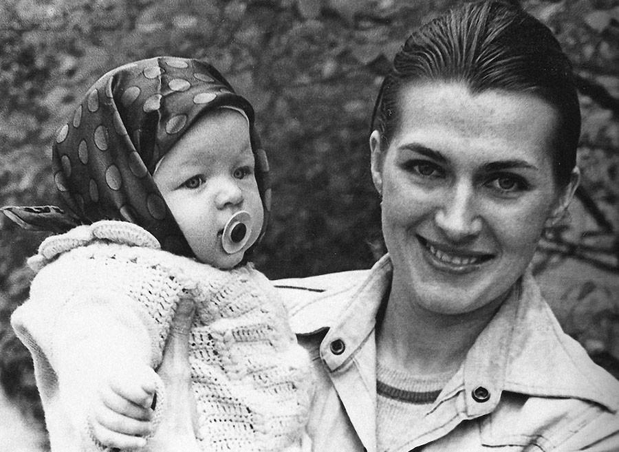 Галина Логинова с дочерью Милой, Киев, 1976 год йолович, киевлянка, мила