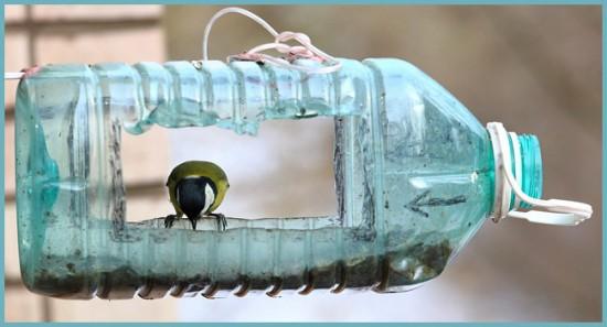кормушка из пластиковой бутылки