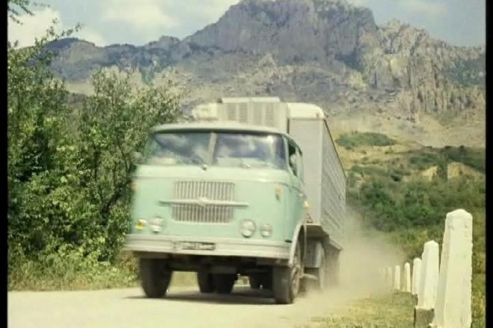 Avtomobili-iz-kf-Kavkazskaya-plennica.jpg