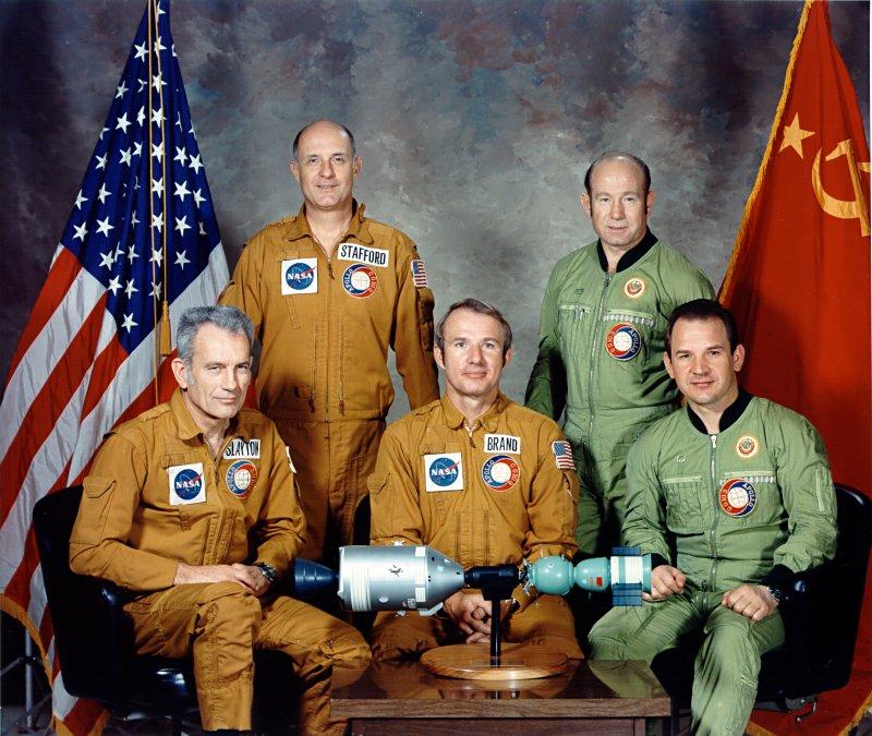 Исторический полёт «Союз» — «Аполлон» положил начало крепкой дружбе двух национальных героев