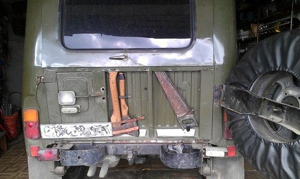 Крепление топора и ножовки на УАЗ 469