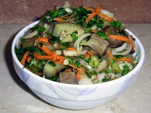 salat-s-baklazhanami-po-korejski-300x225