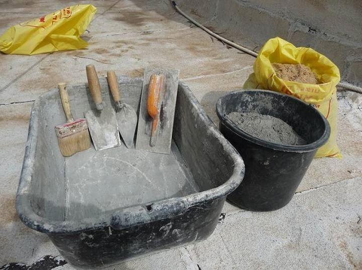 2. Добавь в раствор цемента сахар — и он станет намного крепче. ремонт, советы