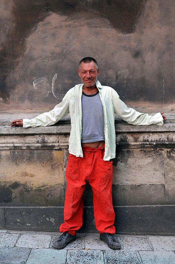 55 летний львовский бомж самый модный бездомный в мире (6)