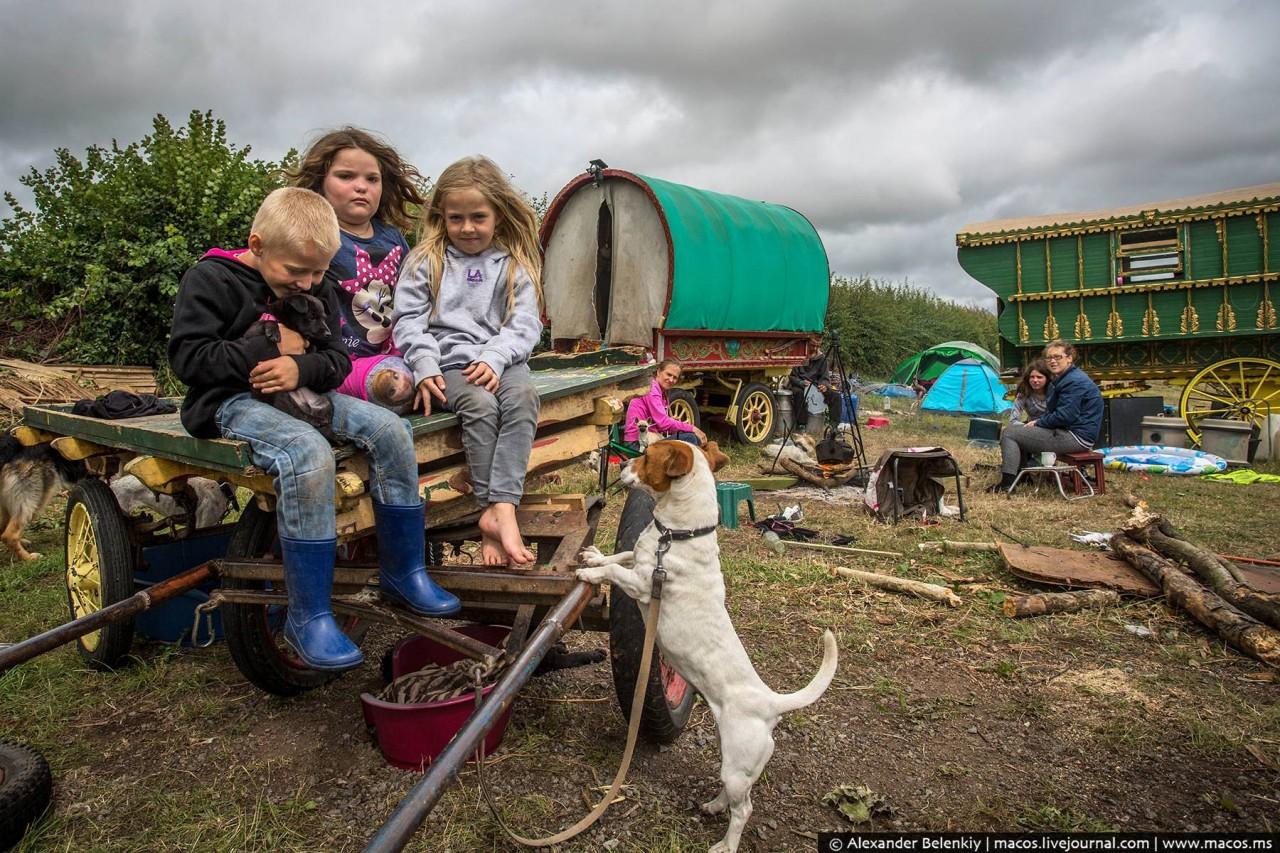 Как живут сегодня коренные беженцы Западной Европы