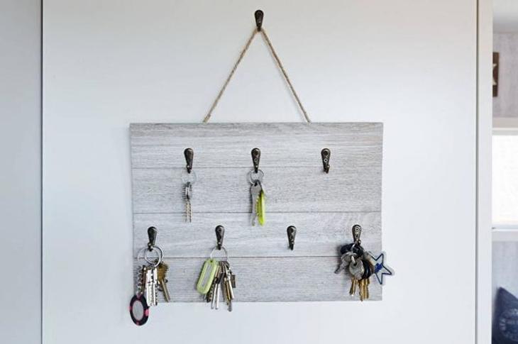 Идеи настенной ключницы для прихожей
