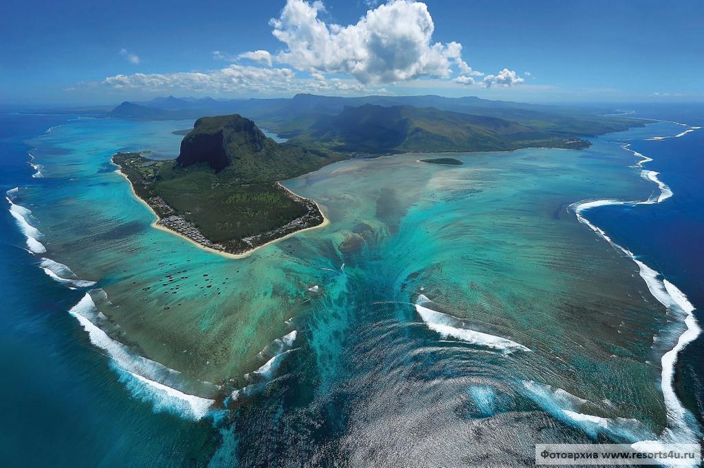 Мусорное море и волны-убийцы: 10 интересных фактов об океанах