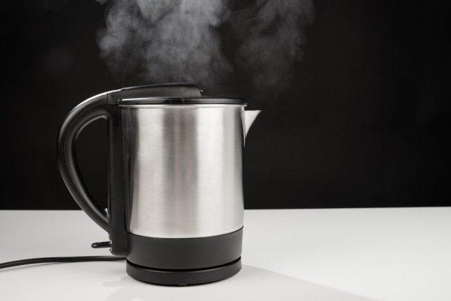 Накипь может негативно сказаться на работе электрического чайника