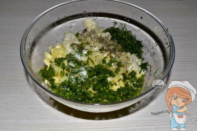 Солим и перчим начинку для самсы с картошкой