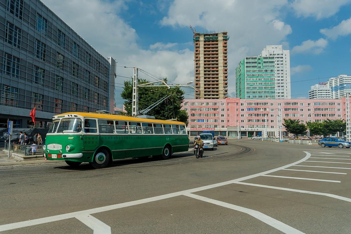 Какой транспорт передвигается по столице КНДР
