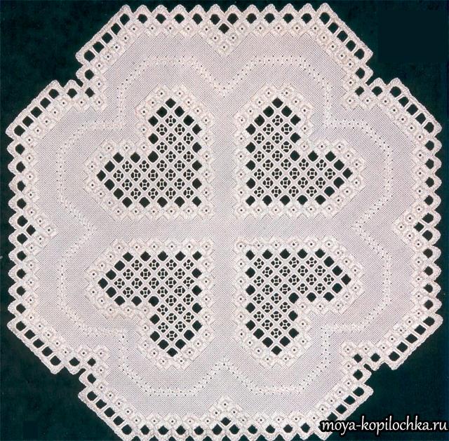 Салфетка в технике вышивки Хардангер