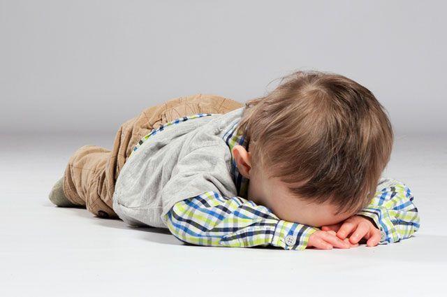 Если ребёнок потерял сознание. Первая помощь при обмороках