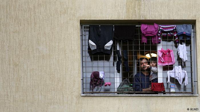 DW: Почему беженцы обходят Болгарию десятой дорогой