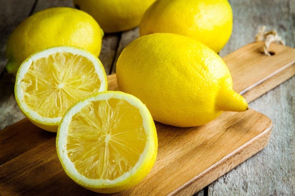 Лимоны помогают избавить деревянные доски от неприятных запахов