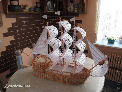 Что нам стоит флот построить??? ... из газетных трубочек