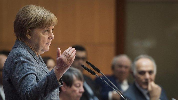 Жители Баварии потеряли доверие к правительству — Меркель