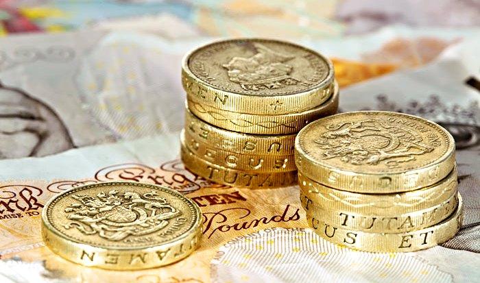 Британский фунт стал жертвой санкций