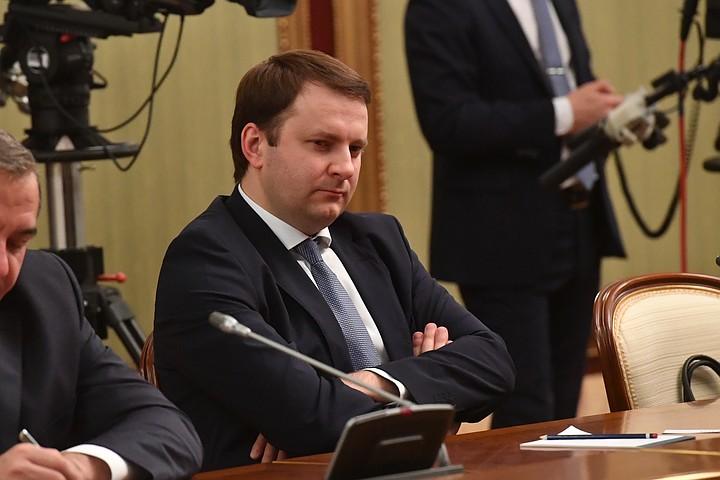 Орешкин заявил, что тема экспорта вытесняет импортозамещение из повестки