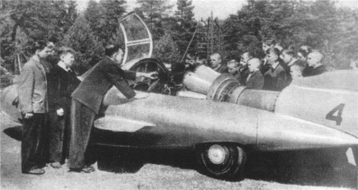 Турбореактивный двигатель ВК-1А под капотами ГАЗ-ТР.