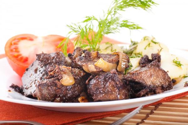 Печенка свиная жареная с луком и сметаной пошаговый рецепт со сметаной