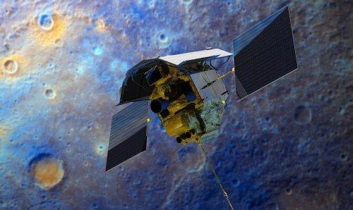 Аппарат MESSENGER на фоне Меркурия