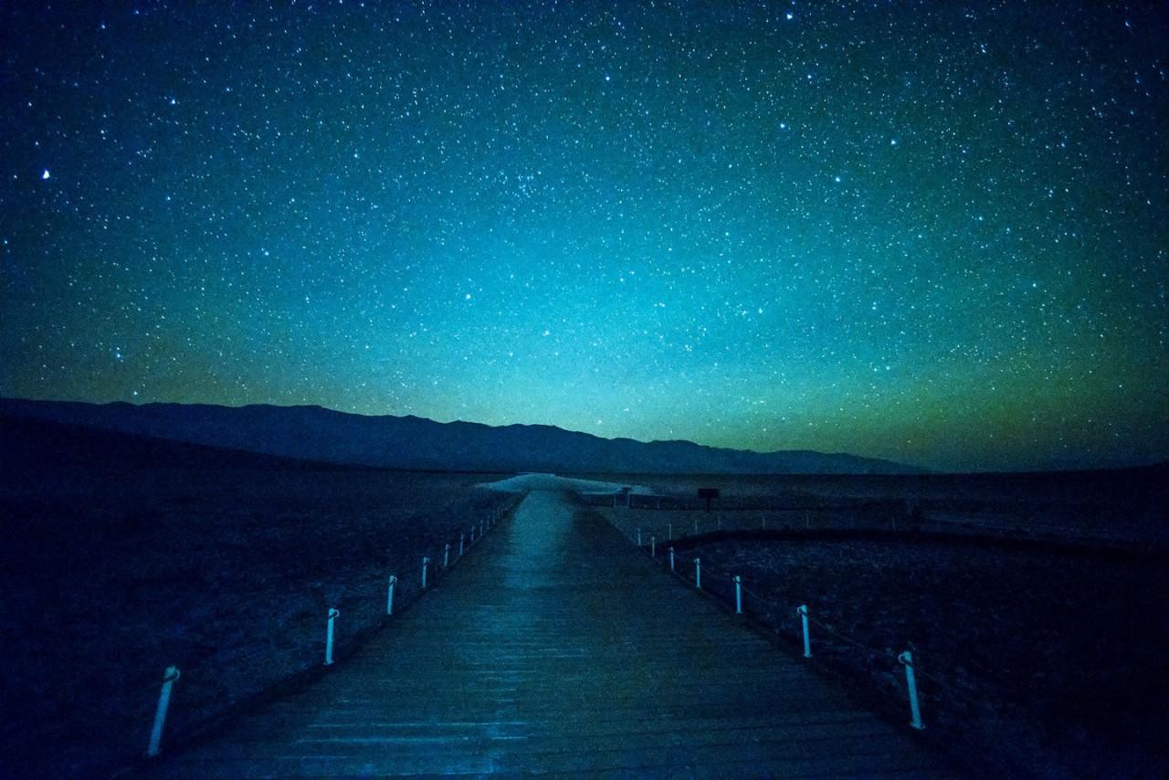 """Восхитительное звездное небо над """"Долиной смерти"""""""