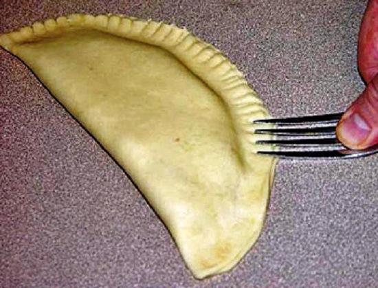 Как сделать тесто для чебуреков и чебуреков с фото