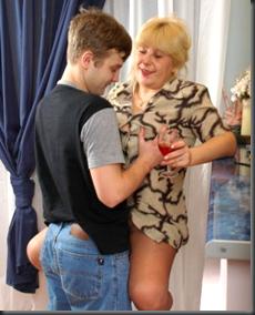 Секс женщина с мальчик русское