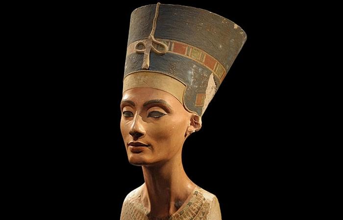 Невероятно хорошо сохранившийся образец египетского искусства.