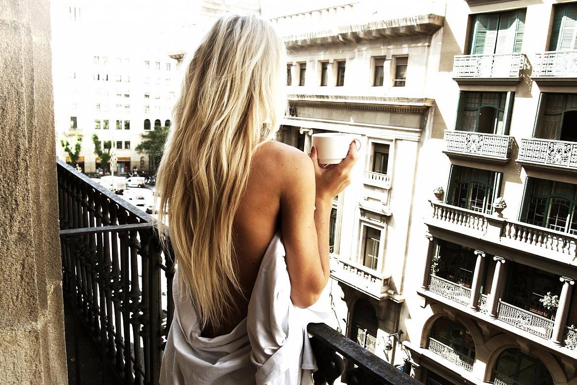 Девушка, которая любит жить одна...