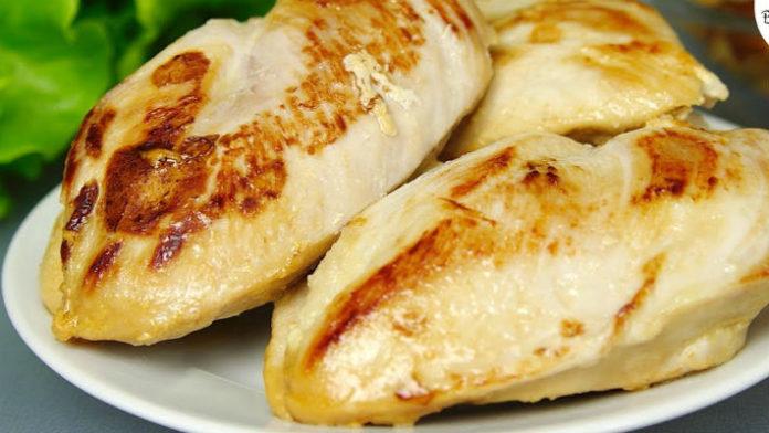 Как вкусно приготовить куриное филе за 15 минут (видео)