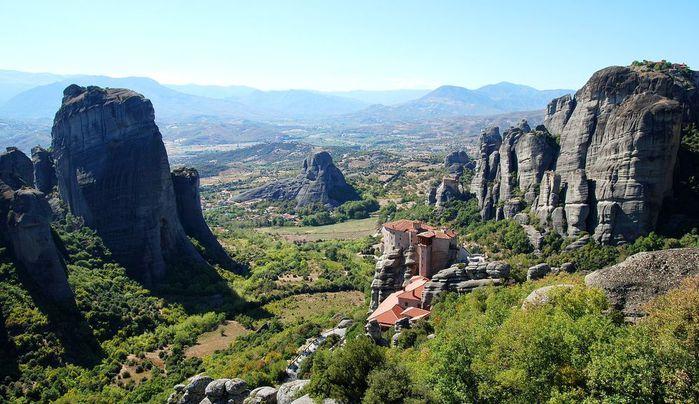 Фото Монастыри Метеоры, Греция. 14 (700x404, 81Kb)