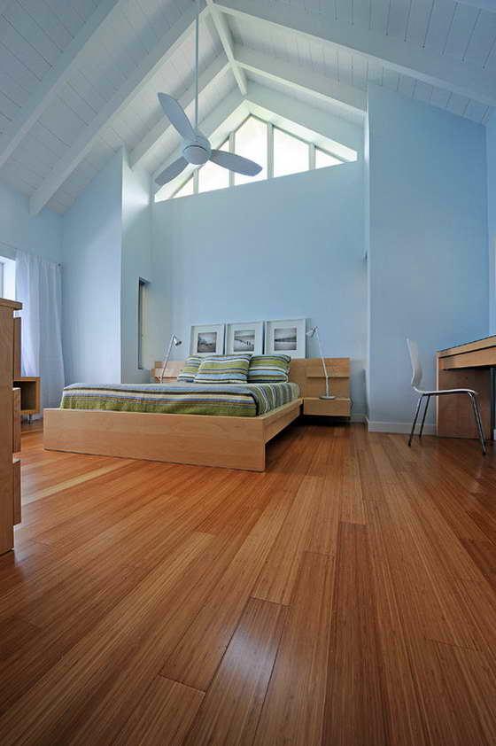 Спальня в цветах: голубой, фиолетовый, серый, коричневый. Спальня в стиле минимализм.