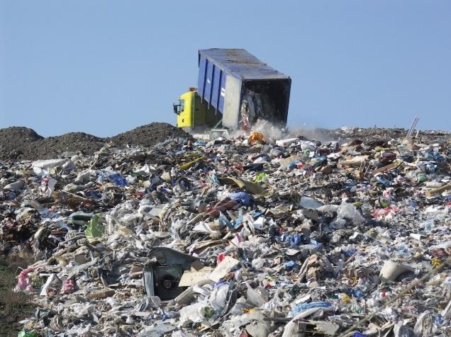 ЕС вводит запрет на пластик …