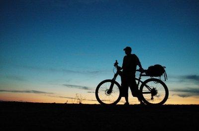 Кругосветное путешествие чилийского велосипедиста закончилось трагедией