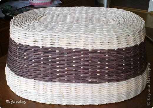 Плетение из газет. Овальные и круглые ХЛЕБНИЦЫ с крышками. Мастер-классы (7) (520x367, 197Kb)