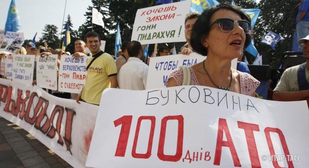 Украина затрещала по швам на Западе