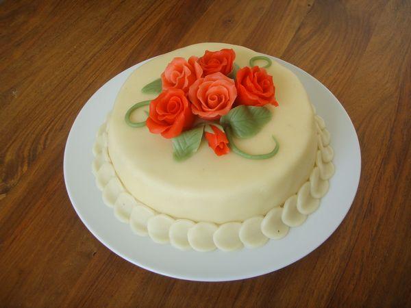 Марцепановая паста украшение торта фото