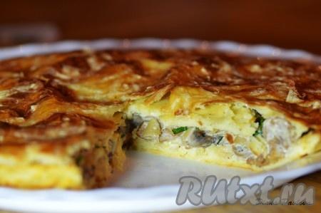 Накройте сырный пирог второй половинкой лепешки.Все, пирог готов. Приятного аппетита!