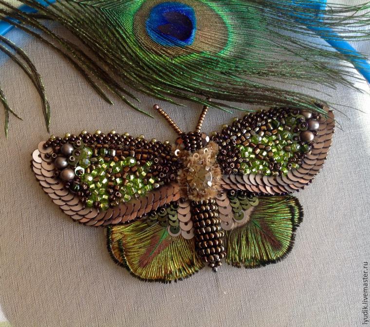 Вышиваем бисером элегантную бабочку. Часть вторая