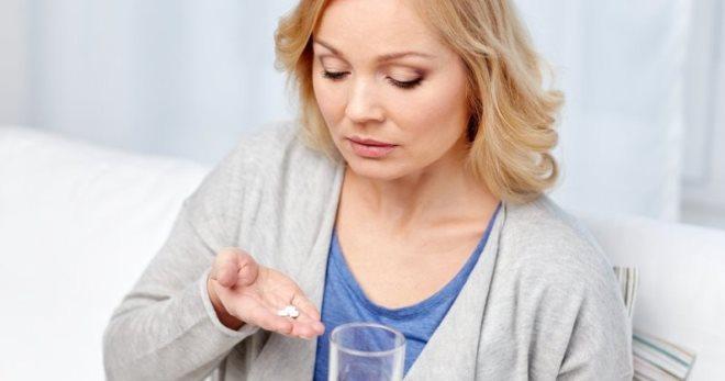 Препараты при климаксе – лучшие лекарства, которые устранят неприятные симптомы