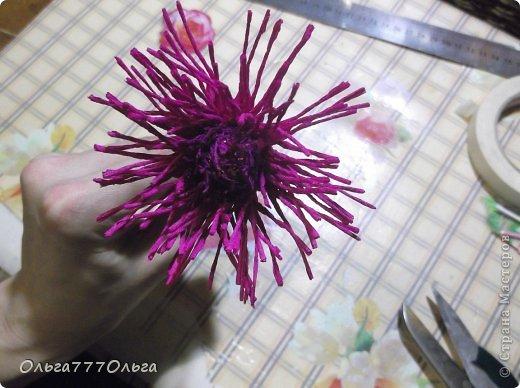 Как сделать из бумаги и конфет хризантему 202