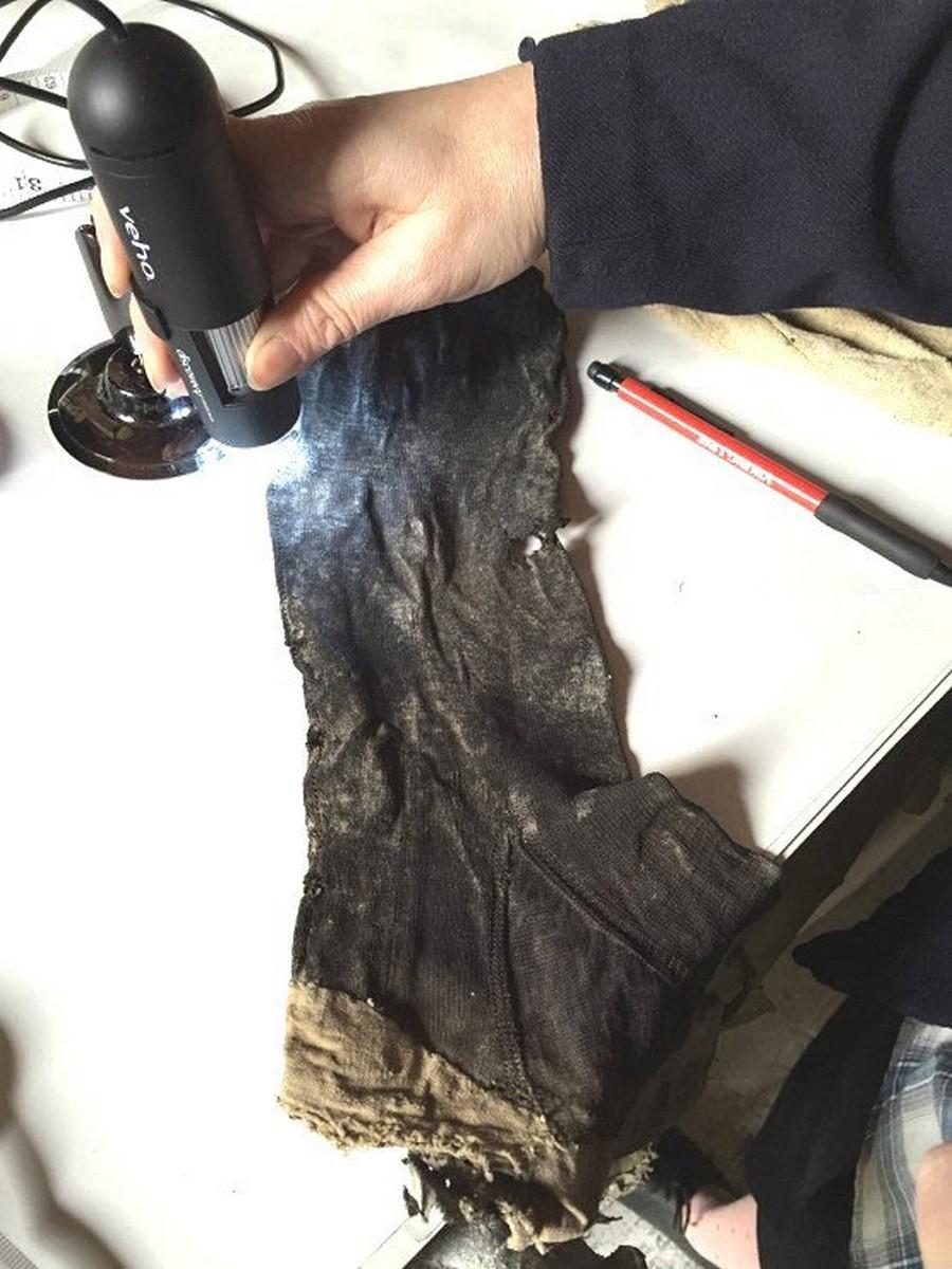 Шелковые чулки, которые носили пять веков назад