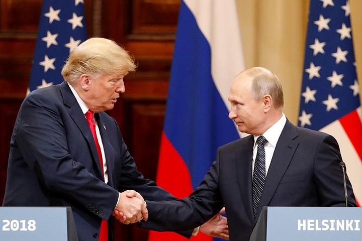 Оговорки Трампа про Россию объяснили давлением советников