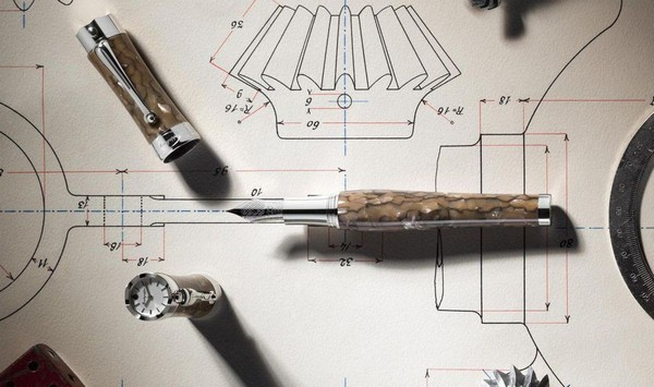 Montegrappa выпустили лимитированную серию ручек с часами в колпачке