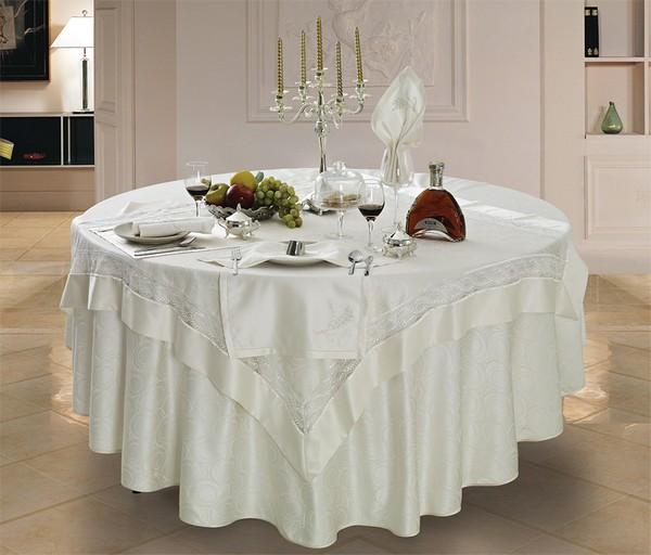 фото скатерти на круглый стол